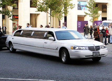 5 Reasons Why To Hire a Chauffeured Vehicle | Kavanagh Limousine